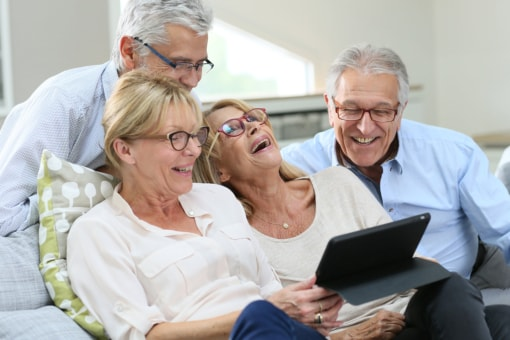 5 Activities to Entice Seniors to Be Social